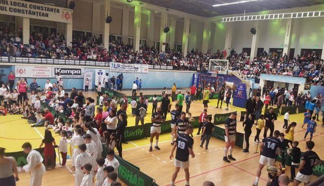 """Foto: Sala Sporturilor, arhiplină la evenimentul """"Martie - sport şi educaţie"""""""