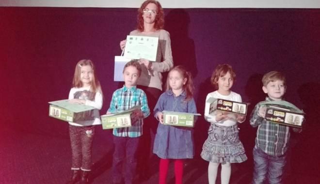 Foto: Prichindei constănţeni, premiaţi în competiţii ecologice şi tradiţionale