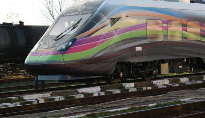 Foto: Prima licitație pentru trenuri electrice de călători