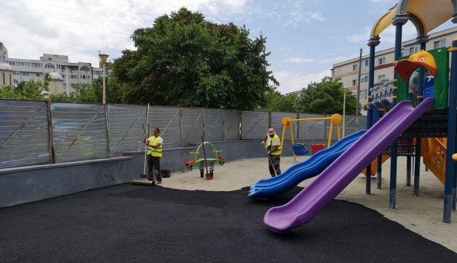 Foto: Primăria Constanța modernizează locul de joacă de pe aleea Daliei
