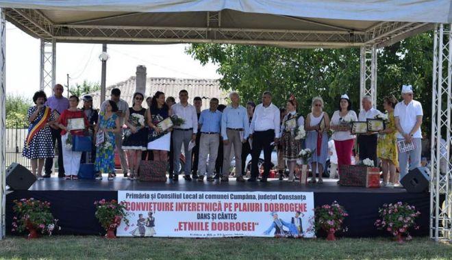 """Foto: Primăria Cumpăna și UDTR, gazde pentru Festivalul """"Conviețuire Interetnică pe Plaiuri Dobrogene"""""""