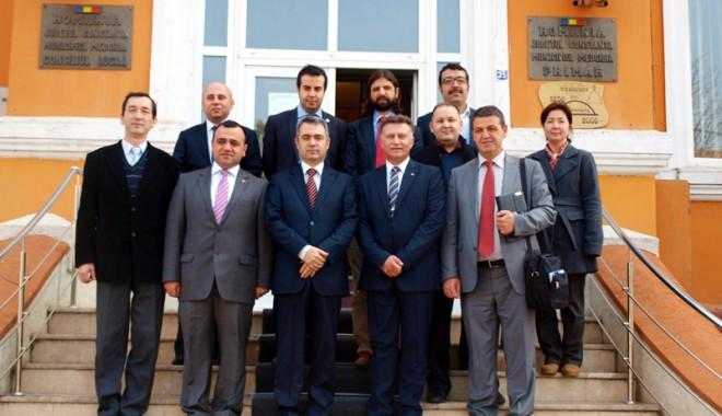 Foto: Primăria Medgidia a primit o donaţie de cărţi din Turcia