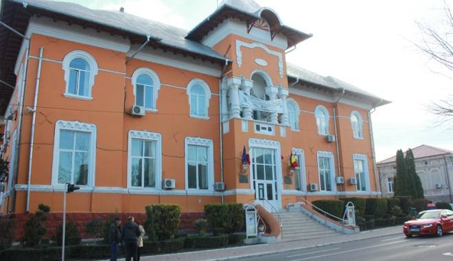 Foto: Locuitorii din Medgidia pot depune dosarele pentru locuinţe ANL