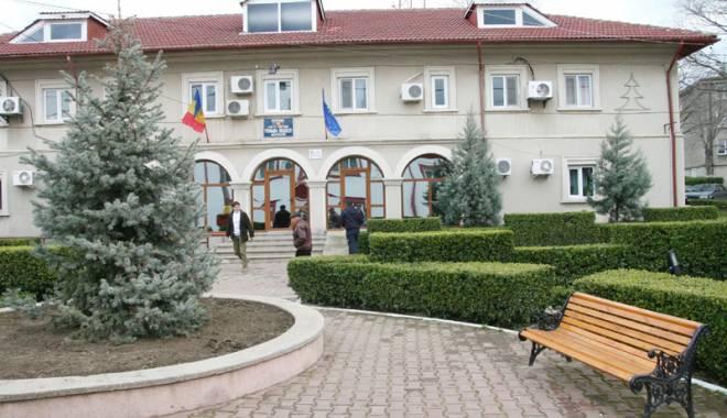 Foto: Primăria Năvodari, alături de cetăţenii cu venituri modeste