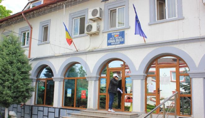 Foto: Consiliul Local Năvodari,  vot pozitiv privind majorarea burselor pentru elevi