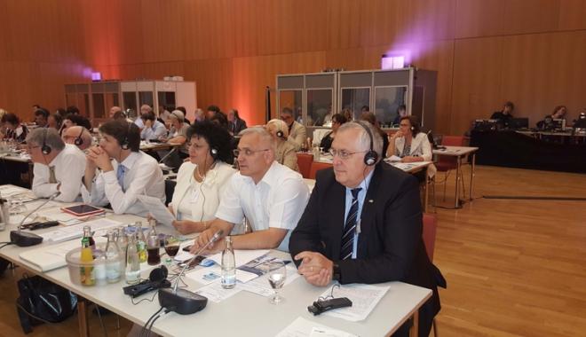 Foto: Primarii comunelor din România se reunesc în staţiunea Mamaia