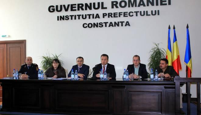 """Foto: Primarii constănţeni vor salarii mărite şi sar la gâtul Guvernului: """"E o demagogie"""""""