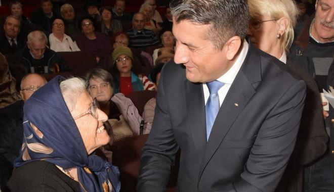 Primarul Decebal Făgădău premiază seniorii Constanței - primaruldecebalfagadau-1545239591.jpg