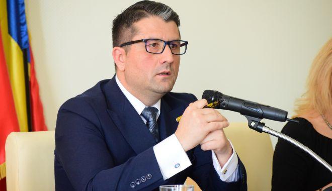 Foto: Primarul Decebal Făgădău: