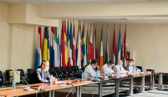 Primarul Decebal Făgădău, întâlnire de lucru cu ministrul Fondurilor Europene - primaruldecebalfagadau2-1595528770.jpg
