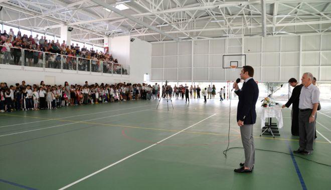 Foto: Primarul din Mangalia a inaugurat  o nouă sală de sport