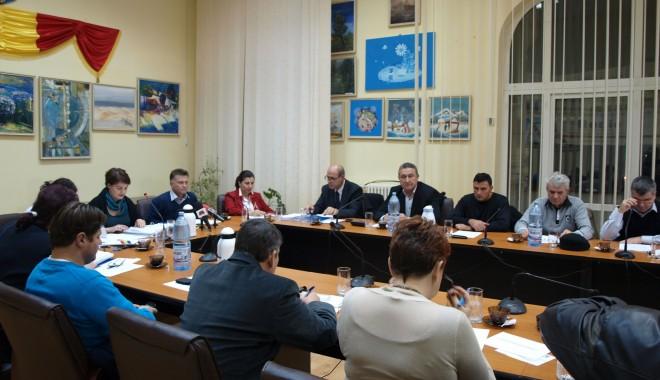 Foto: Primarul Marian Iordache i-a convocat pe consilieri la şedinţă