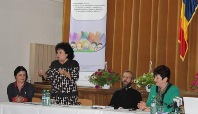 Primarul Mariana Gâju deschide un centru  socio-educativ  în comuna Cumpăna - primarulmarianagaju-1432139222.jpg