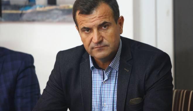 Foto: Primarul Vrabie, apel la parlamentarii care reprezintă comuna Peştera
