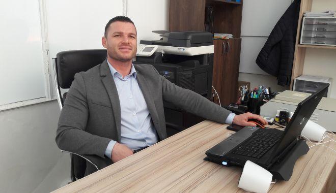Primul pas spre afacerea ta. El te poate ajuta să-ți deschizi propria firmă! - primulpasgabrielathias-1613671925.jpg