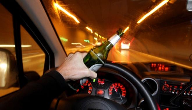 Foto: Prinşi la volan fără permis şi sub influenţa alcoolului