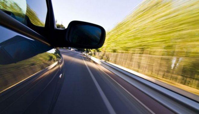 """Foto: Cum au fost sancţionaţi şoferii care """"zburau"""" pe Autostrada Soarelui"""
