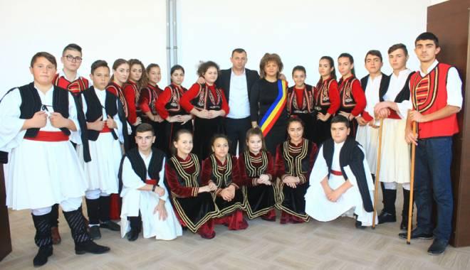 Foto: Comuna Mihail Kogălniceanu, în sărbătoare.  Olimpicii şi sportivii, răsplătiţi pentru premiile obţinute