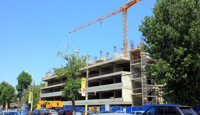 Foto: De ce au decis autorităţile suspendarea lucrărilor la parcarea supraetajată  din Mamaia