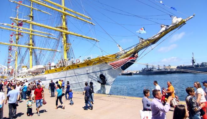 Foto: Regata Mării Negre - un festival cu vele şi mii de vizitatori - Galerie FOTO