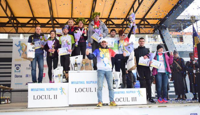 Foto: Uniţi sub tricolor, la Maratonul Nisipului 2018. Românii şi moldovenii şi-au împărţit premiile