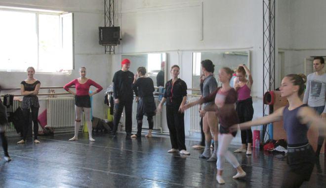"""Balerinii de la """"Oleg Danovski"""" au ajuns la disperare. """"Să vă bată Dumnezeu dacă desfiinţaţi arta dansului la Constanţa!"""" - problemedanovski1-1539358388.jpg"""