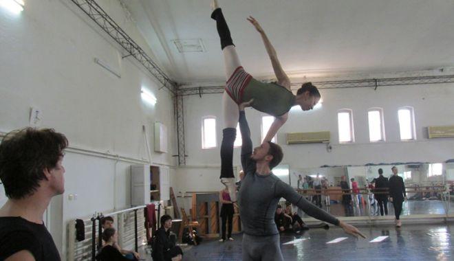 """Balerinii de la """"Oleg Danovski"""" au ajuns la disperare. """"Să vă bată Dumnezeu dacă desfiinţaţi arta dansului la Constanţa!"""" - problemedanovski10-1539358068.jpg"""