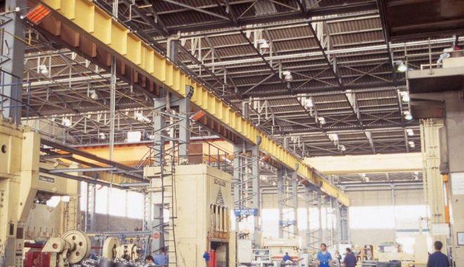 Producţia industrială s-a scumpit uşor în aprilie - productiaindustriala-1622655212.jpg