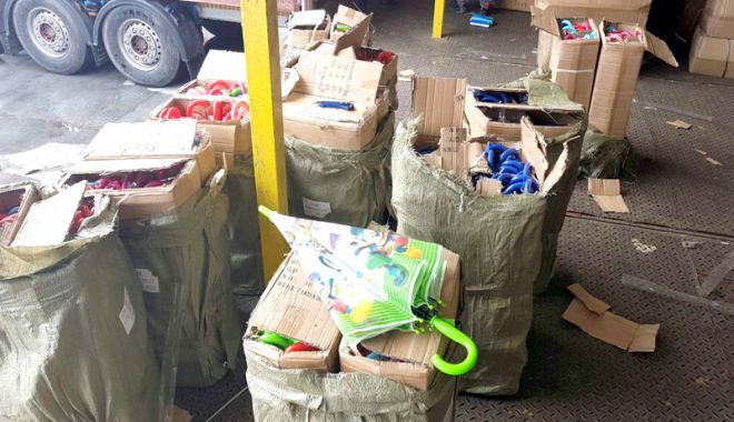 Foto: Produse contrafăcute, confiscate în Portul Constanța
