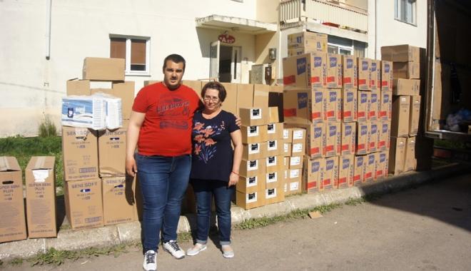 """Foto: Campanie umanitară. """"Donează o jucărie sau o pâine pentru cei în suferinţă!"""""""