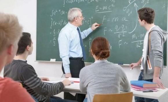 Foto: Klaus Iohannis: Sistemul educaţional e anacronic, nu e adaptat viitorului