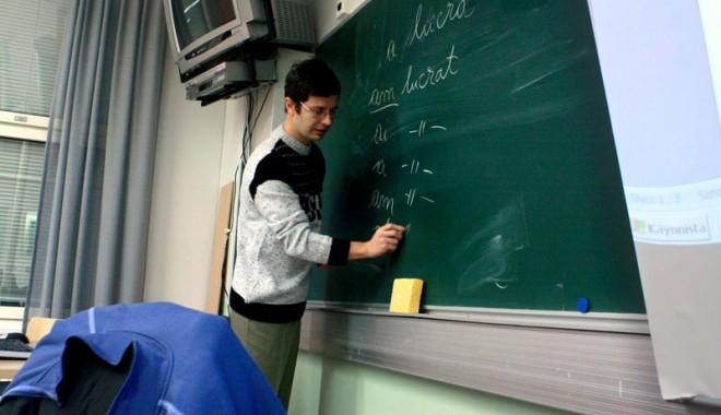 Foto: Zeci de învăţători şi educatori constănţeni se pregătesc  de examen