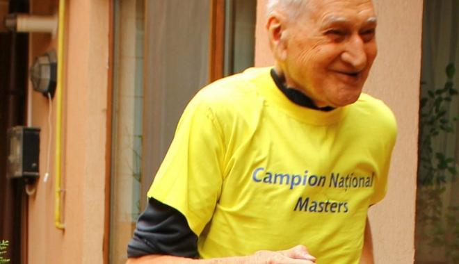 Foto: Profesorul Traian Petcu, invitat de onoare  la Crosul Montan din Valea Gurghiului