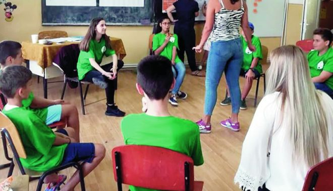 Foto: S-au găsit soluţii pentru educarea locuitorilor din Siminoc