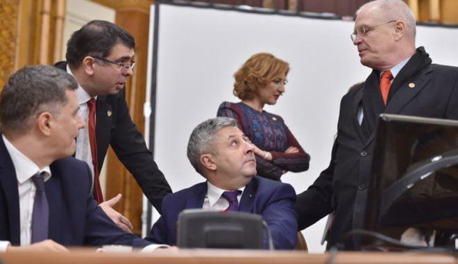 Foto: Proiectul privind executarea pedepsei acasă, undă verde  de la deputaţii jurişti