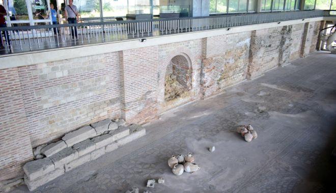 """Foto: """"Istoria va renaşte în judeţul Constanţa"""". Trei monumente importante vor fi reabilitate"""