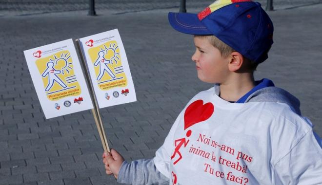 """Foto: """"Promenada inimilor""""  îi încurajează  pe constănţeni  să facă mişcare"""