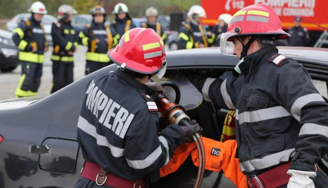 Cartea de salvare la bordul maşinii şi amenzile Poliţiei Rutiere. Cine minte şi cu ce scop? - propunerea3-1479745671.jpg