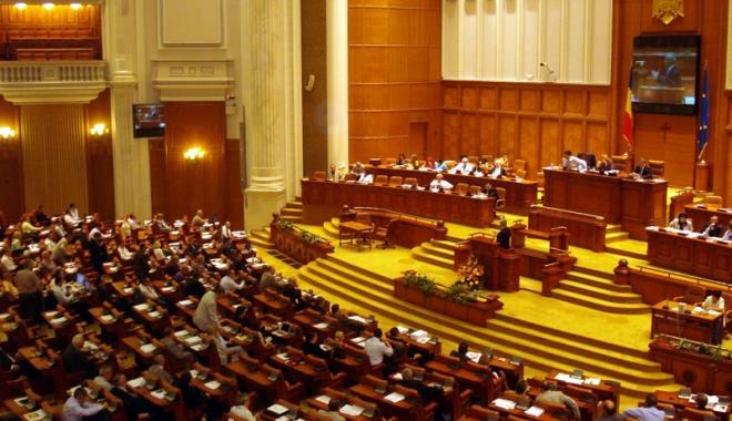 Foto: Propunere legislativă: 10 octombrie, declarată zi naţională. Care este motivul