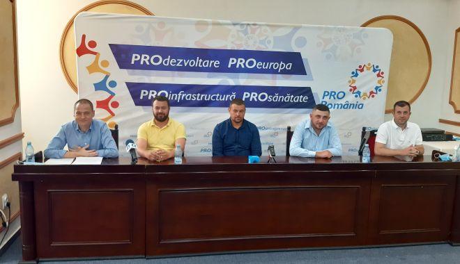 Foto: Pro România și-a prezentat candidații la primăriile Cobadin, Crucea și Mihail Kogălniceanu