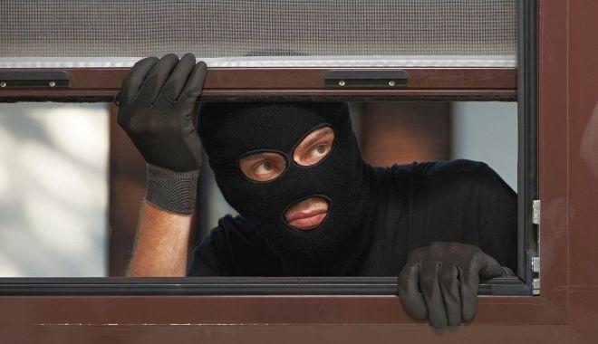 Sfaturile polițiștilor pentru a preveni furturile de locuințe: