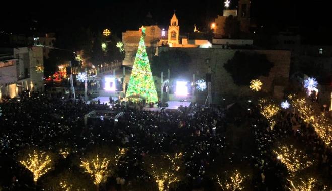 Foto: Protest anti-Trump! Palestinienii  au stins luminile de Crăciun din Betleem