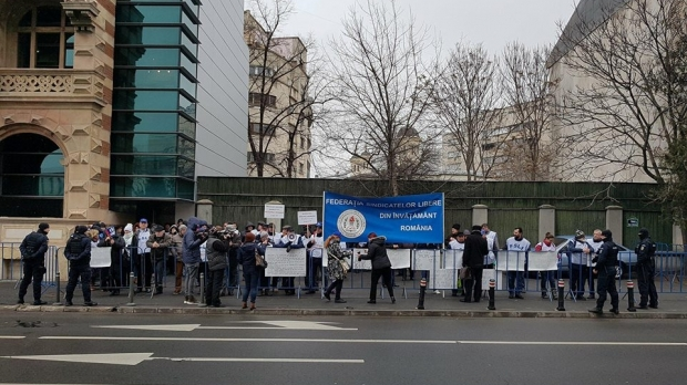 Foto: Profesorii pichetează astăzi Ministerul Muncii