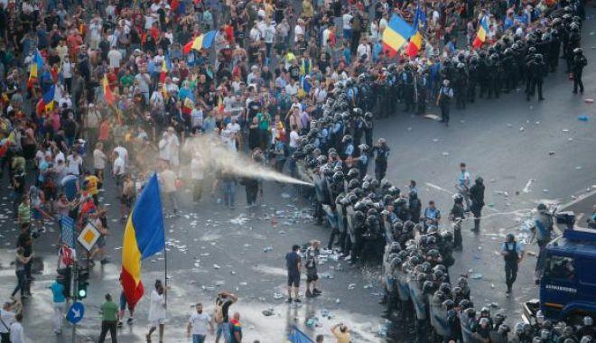 Foto: Violenţele de la protestul din 10 august, de la Bucureşti, dezbătute în plenul Parlamentului European