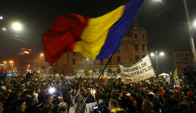 Foto: Ample proteste anunțate duminică. În București sunt precedate de un marș de comemorare a Regelui