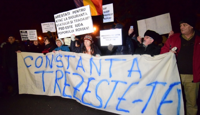 Foto: CONSTANŢA IESE ÎN STRADĂ! Proteste fără precedent împotriva graţierii şi amnistiei