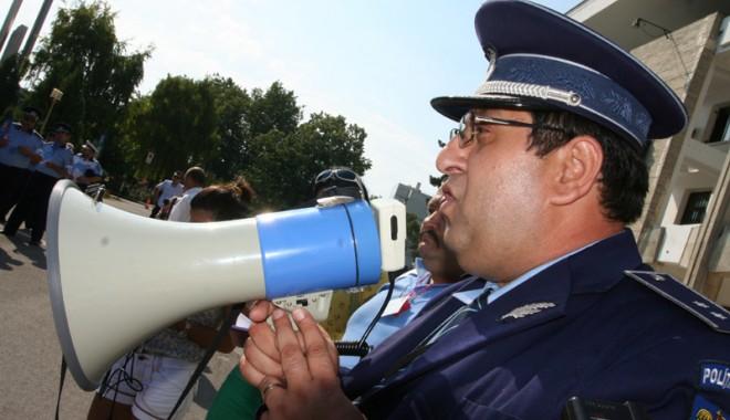 Foto: Poliţiştii din Constanţa vor sporuri anticorupţie