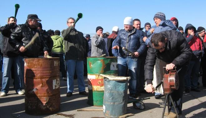 Foto: Bubuie tobele în portul Constanţa