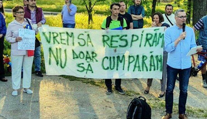 Foto: USR nu se lasă și organizează un nou protest pentru salvarea parcului Tăbăcăriei