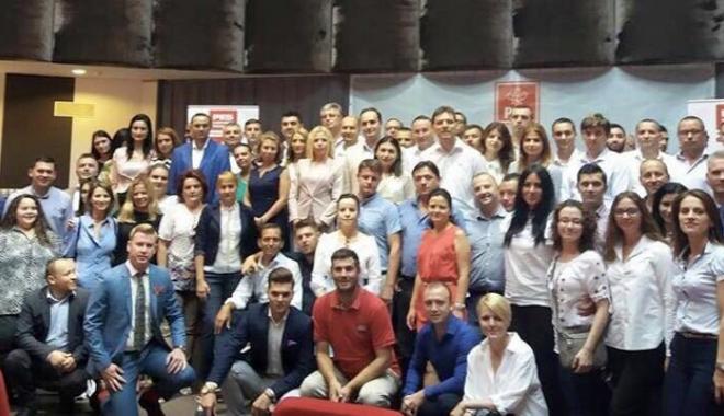 Foto: Dezbateri la Constanţa. Tinerii din PSD se pregătesc să preia preşedinţia Consiliului UE